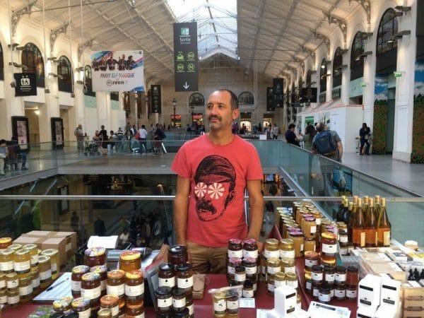 Boutique de miel à la gare Saint Lazare